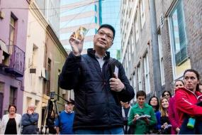 【房产】够任性!中国人电话竞拍,近百万买下悉尼最窄房子:房宽仅够放下一张大床!
