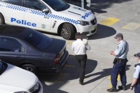 【新闻】不带这样看娃的:悉尼男子着急面试竟将两岁儿子独留在车内,恐被罚2.2万