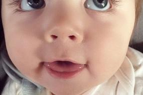【萌娃】澳大利亚萌宝长睫毛大眼睛,顷刻俘获全球网友,十个月代言儿童服装品牌