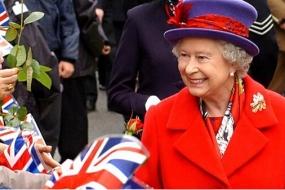 【女王】关于英女王的一切酷炫萌~她才是史上最牛IT Girl!