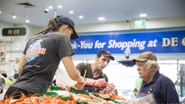 生活|悉尼鱼市场喜迎猴年:舞狮表演、幸运饼干带来新年好兆头