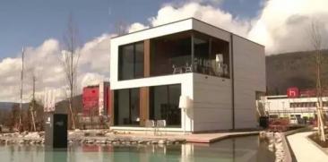 300平米豪宅2小时建成 澳洲小伙秒杀建筑队