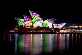 2016年悉尼灯光节:跃动攀桥之旅 玩转空中舞池