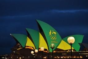 悉尼歌剧院变奥运色 为澳代表团加油打气