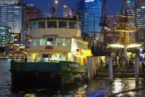 """世界首例!宜家在悉尼海港打造""""游轮之家"""""""