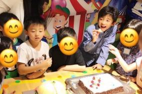 张柏芝为小儿子举办生日派对 上百个小朋友参加