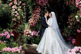 美哭!米兰达·可儿 (Miranda Kerr) 婚纱婚礼首度曝光,和90后富豪老公结婚后的她越活越少女啦!