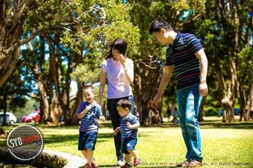 澳洲15个月大的小女孩火了!跟着爸爸妈妈干了些疯狂事!